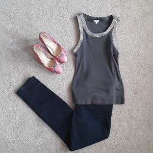 🐖Gorgeous grey embellished tank top